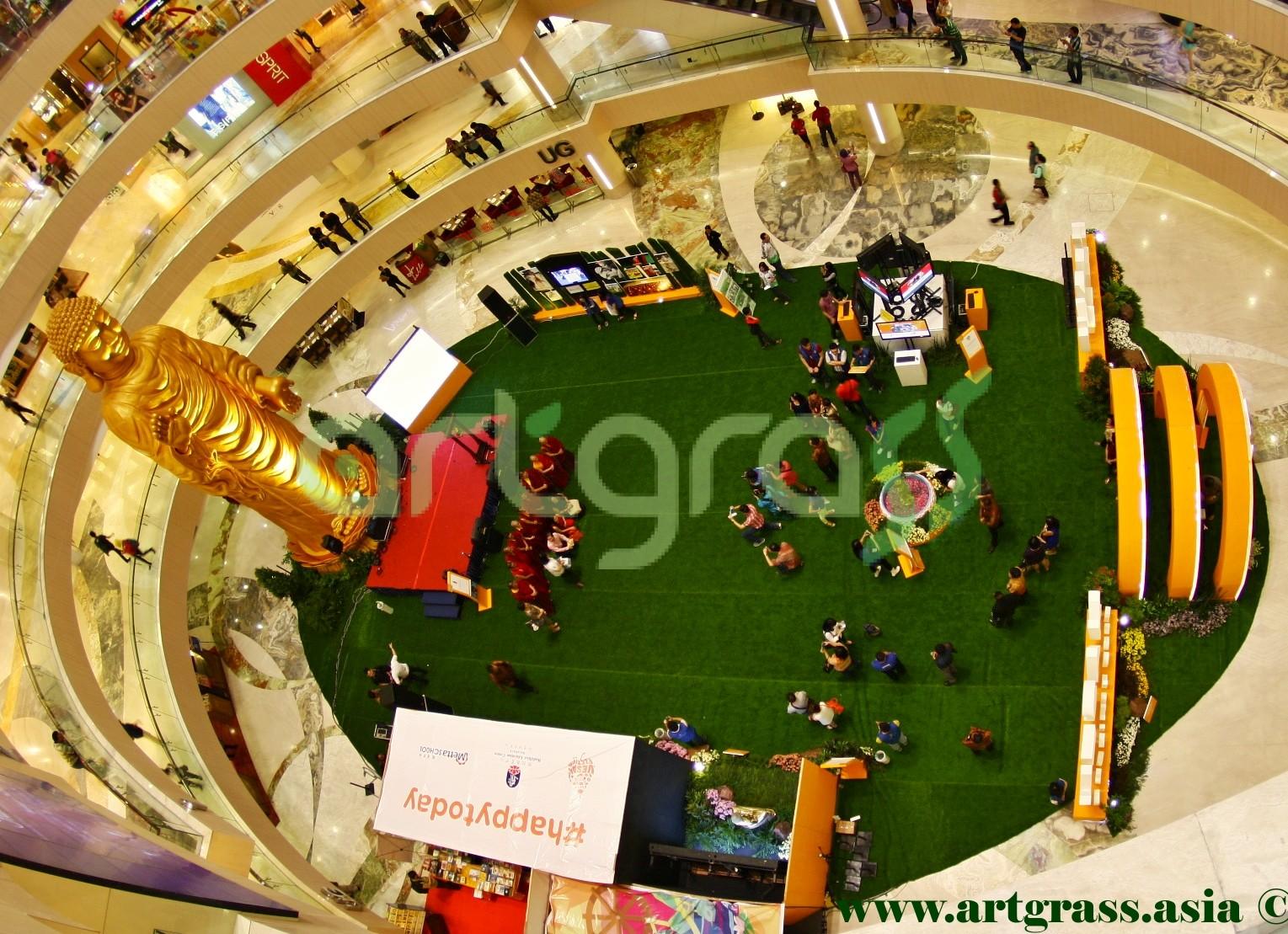 ArtGrass-At-Vesak-Festival-2015-Main-Atrium-Tunjungan-Plaza-28Mei-2015-Sideview