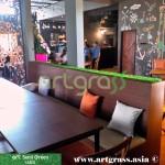 ArtGrass-Dekor-Kursi-Caloria-Cafe-Rumput-Sintetis
