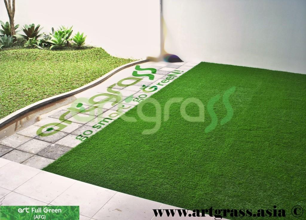 Artgrass-Taman-Belakang-Kantor-Rumput-Sintetis
