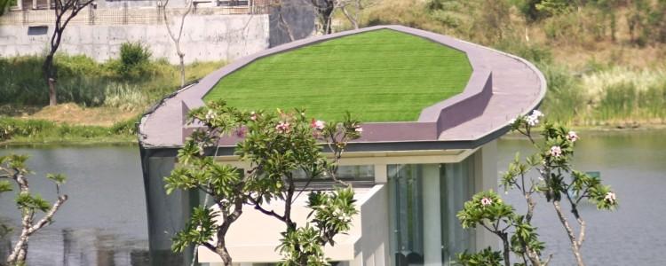 ArtGrass Menghijaukan Atap Wedding Chapel di Ciputra Golf ClubHouse – Surabaya